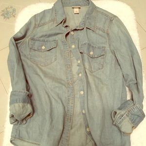 New without tags Denim button up, woman's small